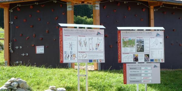 Bergsportzentrum mit Möglichkeit zum Ausprobieren des Klettersteigsets für Anfänger