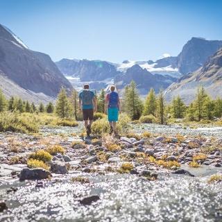 La vue donnant sur différentes vallées de Suisse et d'Italie s'avère inoubliable