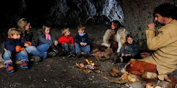 Kinderprogramm im Archäopark