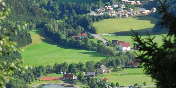 Blick vom Sonnberg auf die Freizeitanlage