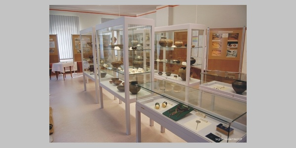 "Gräberfeldmuseum ""Alte Schule"" in Segnitz."