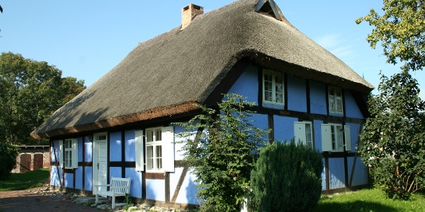 Die acht kleinen Dörfer im Lieper Winkel zeigen weitgehend noch das unverfälschte Ortsbild alter Fischerdörfer.