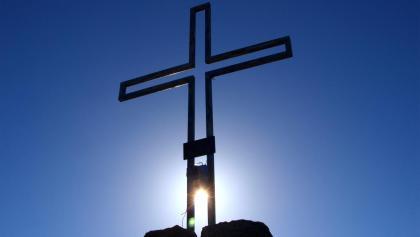Knallsteinkreuz 2599m im Gegenlicht