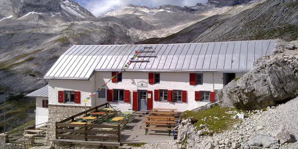 Die Knorrhütte (2051m) DAV Sektion München