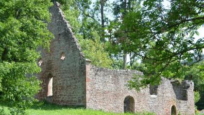 Ruine der Markuskapelle im Haseltal
