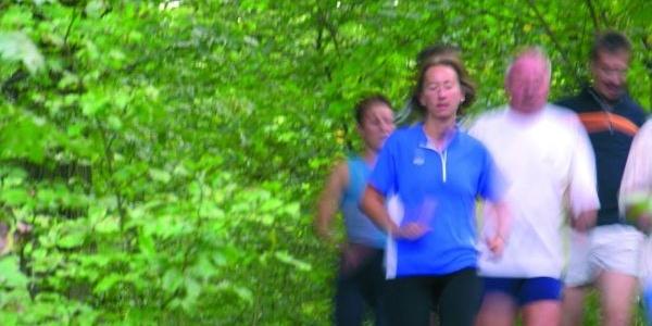 Laufgruppe auf dem Gesundheits- und Fitness-Parcours Bad Driburg