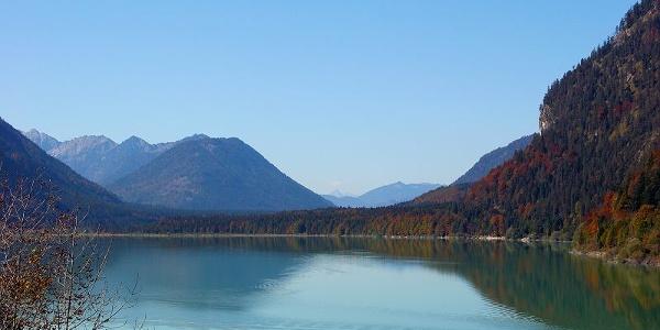 Der Sylvensteinsee in traumhafter Kulisse.