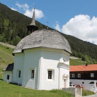 Disla mit Kapelle