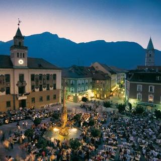 Festplatz bei Nacht (Stadtfest)