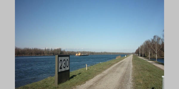 Weite Blicke ermöglicht der Blick vom Damm.