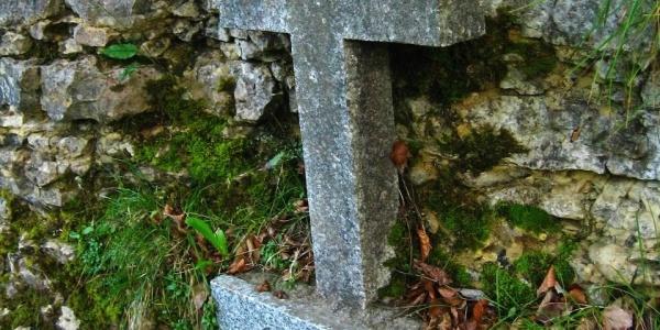 Steinkreuz am Engländerfelsen