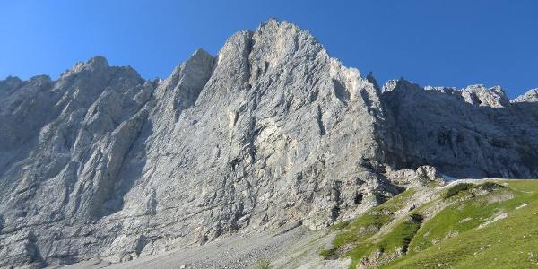 Blick zur Laliderer Spitze (2588 m)