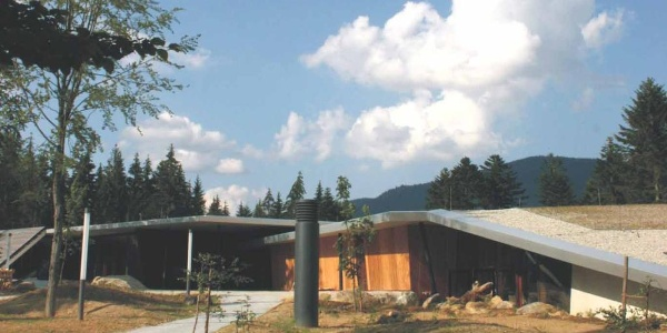 """Das im Sommer 2006 eingeweihte """"Haus zur Wildnis"""" ist einen Besuch wert."""