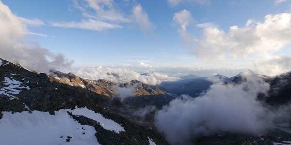 Ausblick am Rifugio Guide della Val d´Ayas