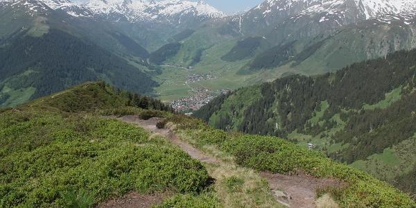 Blick vom Bostg ins Val Tujetsch