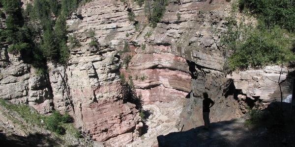 Aussichtsplattform über dem Butterloch-Wasserfall.