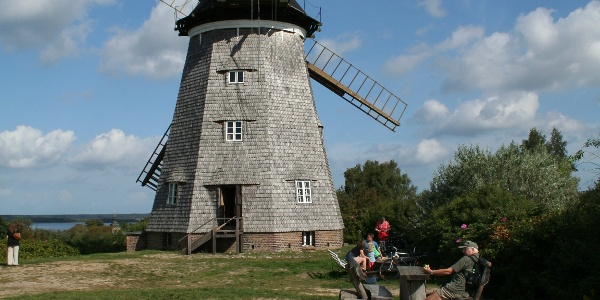 Die Holländerwindmühle.