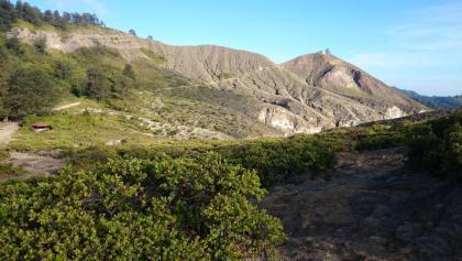 Sicht auf den Gipfel des Mount Kelimutu