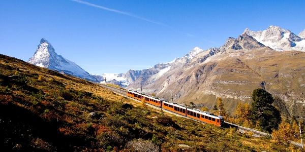 Une atmosphère automnale le long du trajet Gornergrat Bahn et du chemin