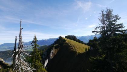 Blick vom Beslerkopf auf den Beslergrat, den Verbindungsgrat zum Besler
