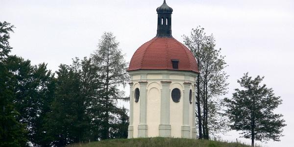 Die Buschelkapelle liegt nahe Ottobeuren.