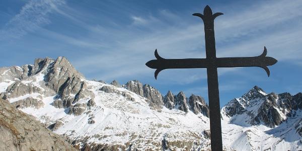 Neues Kreuz auf dem Chrüzlipass