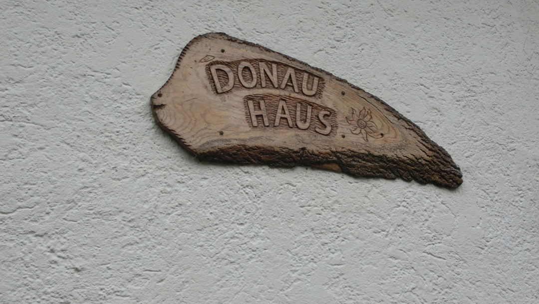 Donau Haus Markierung