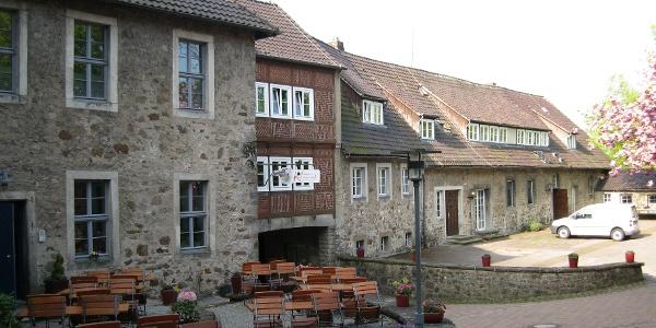 Innenhof der Unterburg mit Burgcafé