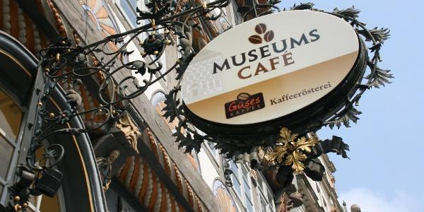 Türschild am Museumscafe