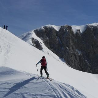 Kurz unter dem Gipfel, rechts das Sonneck