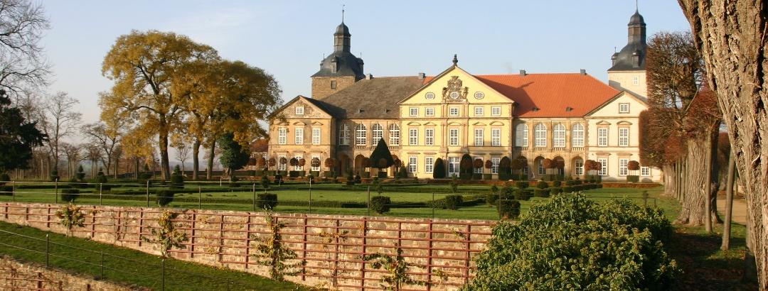 Schloss Hundisburg mit Barockgarten