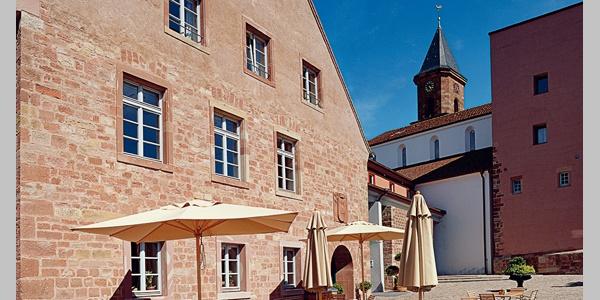 Panoramaansicht vom Kloster Hornbach.