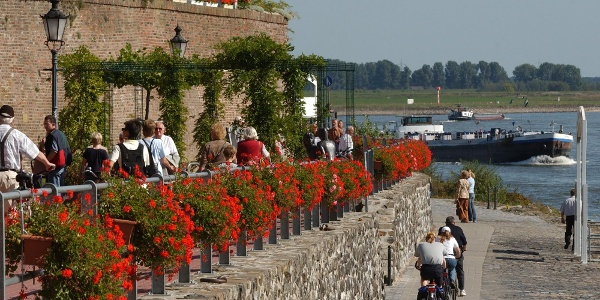 Rheinpromenade in Rees