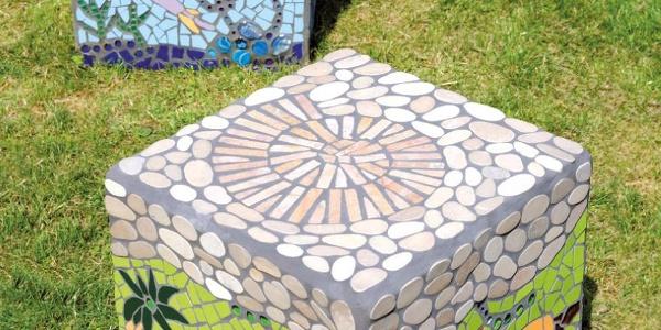 Mosaiksitzwürfel von Gesa Blaas