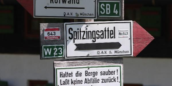 Wander- und Tourenziele rund um die Schönfeldhütte.