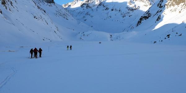 Frischer Start von der Franz-Senn-Hütte ins Alpeiner Tal.