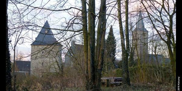 Bergfried und Kirchturm von Schöller, Wuppertal, Bergisches Land, NRW, Deutschland