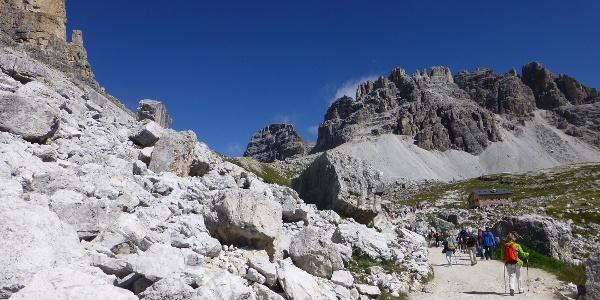 Querweg Lavaredohütte (2344 m) - Auronzohütte (2320 m)