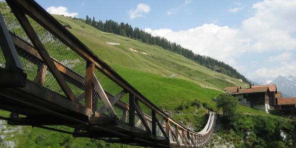 Hängebrücke in Mutschnengia