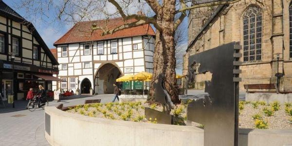 Ev. Stadtkirche Lengerich mit Römer / Friedensreiter
