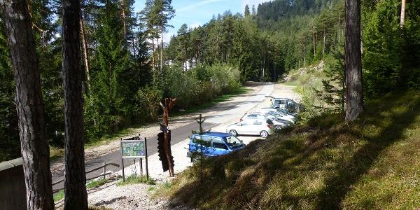 Der gebührenfreie Parkplatz 1/Grube ist Ausgangspunkt unserer heutigen Bergtour.