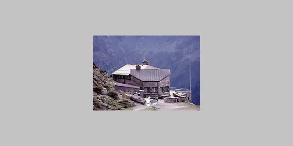 Die Salbithütte im Sommer