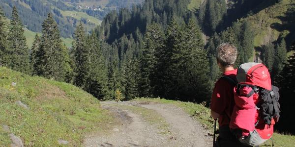Zustieg zur Biberacher Hütte mit Blick zum Biberkopf