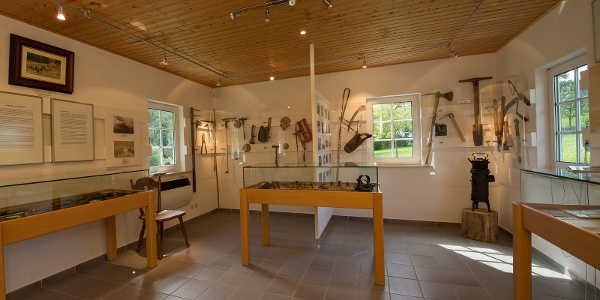 Waldarbeitermuseum in der alten Mühle von Latrop, Innenansicht