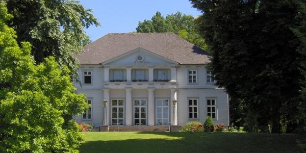 Schlösschen im Kurpark Bad Nenndorf