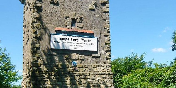 Tempelbergwarte, östlich der Ortschaft Altenberg in der niederösterreichischen Marktgemeinde St. Andrä-Wördern.