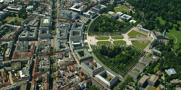 Stadt Karlsruhe mit Schloss