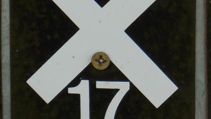 Das Wegzeichen X 17