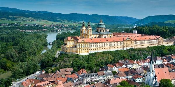 Stadt Melk & Stift © Donau Niederösterreich/www.extremfotos.com