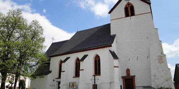 Kirche am Startpunkt in Ripsdorf